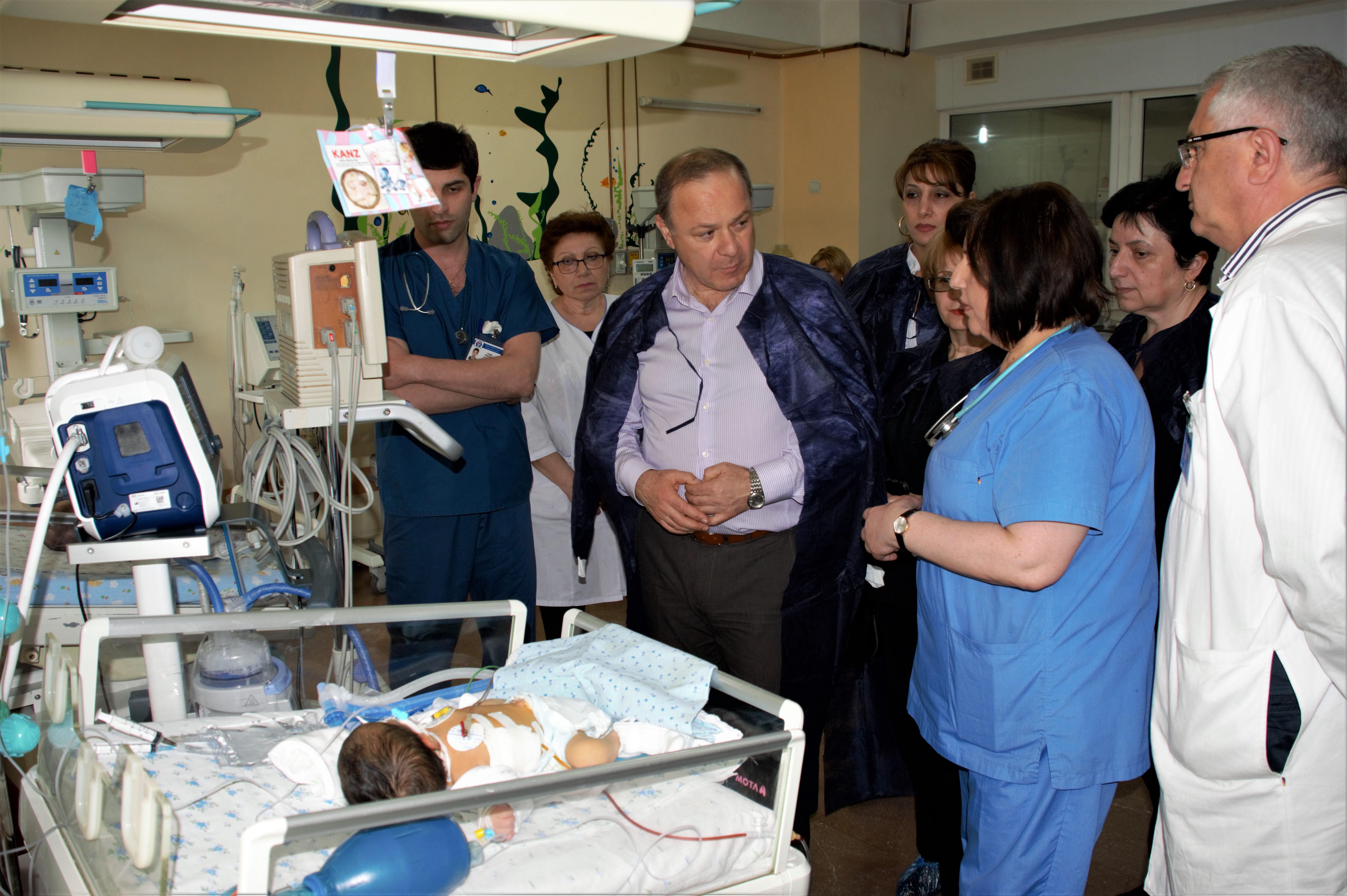 Главный детский реаниматолог Армении объяснил проблемы со здоровьем у родившейся в Ереване пятерни